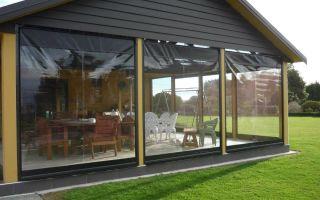 Мягкие окна для вашей беседки: что за окна и чем они лучше традиционного остекления