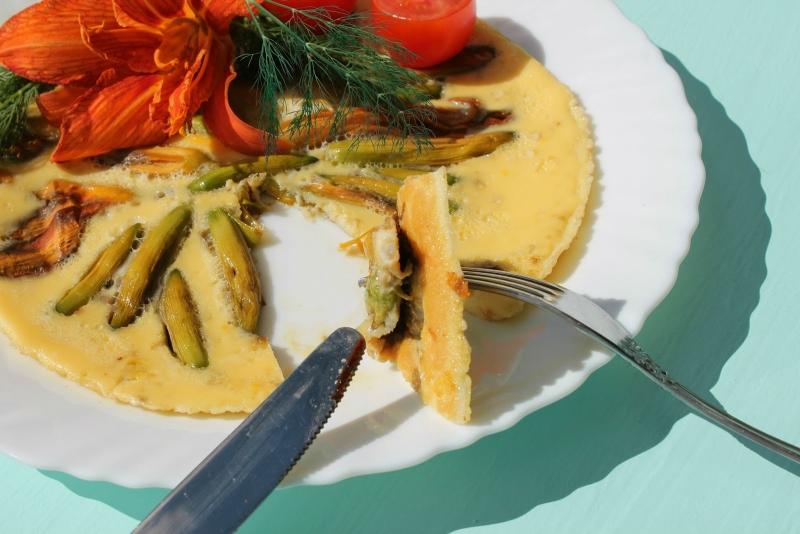Блюдо с лилейником