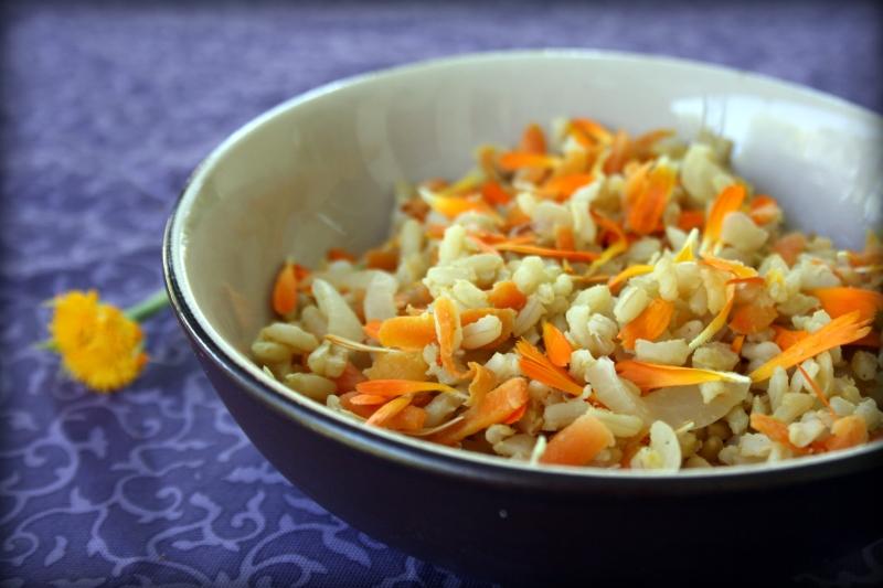 Рис с календулой