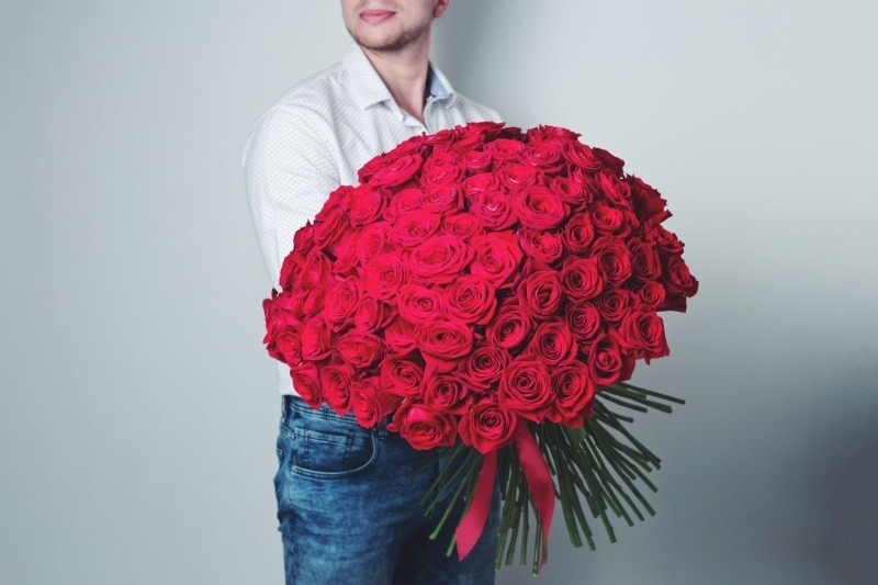 Если мужчина дарит одну красную розу
