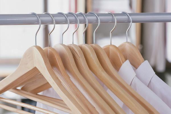 Как выбрать крутые вешалки для шкафа?