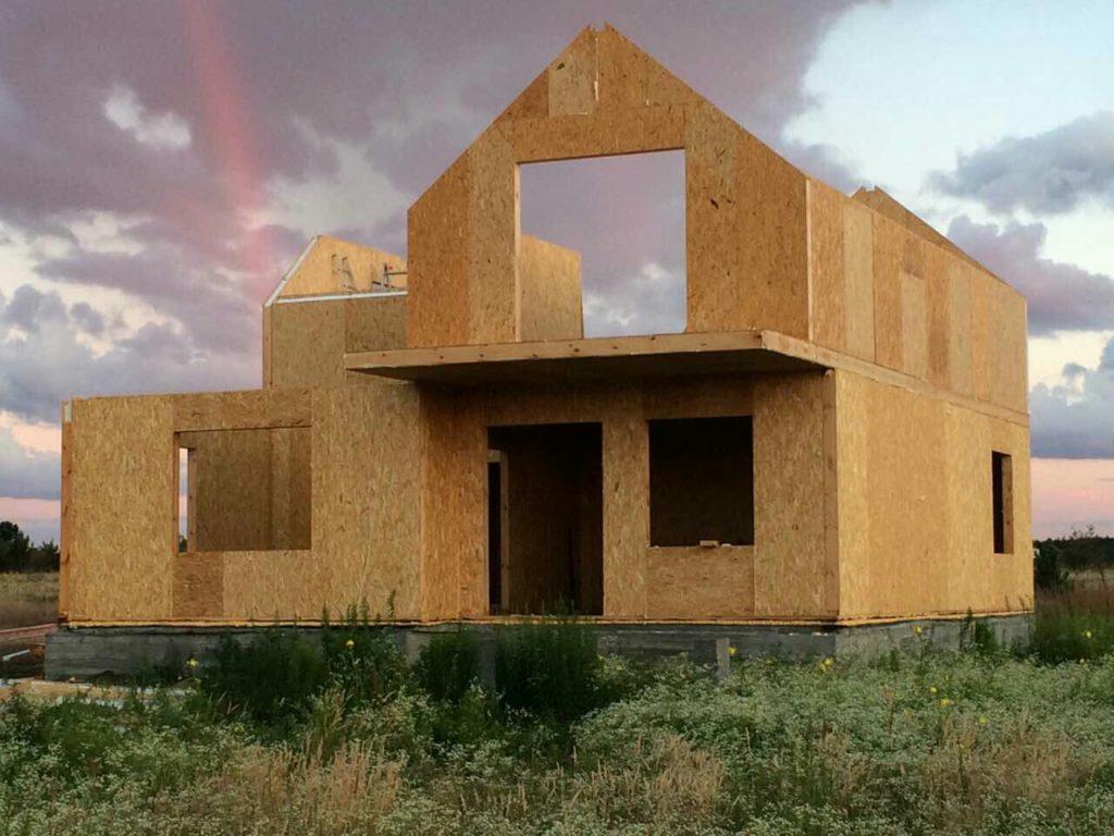 Преимущества и особенности домов из СИП-панелей