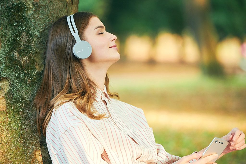 Почему люди любят слушать качественную музыку